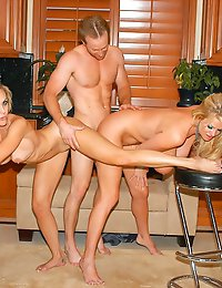 Brandi Love stops by and demonstrates for Ryan and Kelly how much she loves cumsicles.