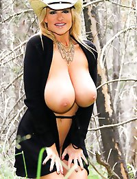 Kelly as always is looking for a great adventure, so she heads out into the woods, looking for head - and wood!