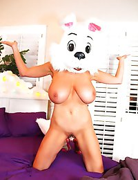 Bunny is gonna have a good Easter when Kelly decides that for his treat he'll have his cock sucked!